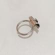 Karakteres design gyűrű, csavart medállal