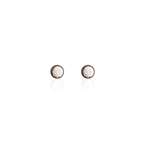 PHOENIX AW20/21 - Textúrált, beszúrós fülbevaló - 6 mm