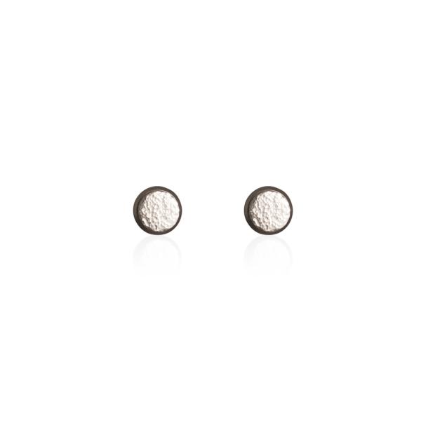 PHOENIX AW20/21 - Textúrált, beszúrós fülbevaló - 8 mm